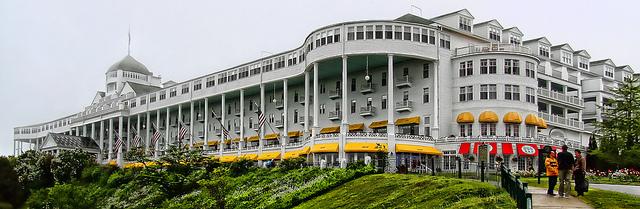 Grand Hotel Pano (3 photo pano)