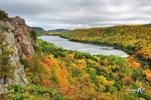 Autumn Day at Lake of the Clouds