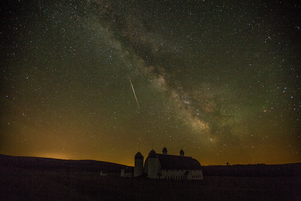 Cameleopard Meteor over DH Day Barn
