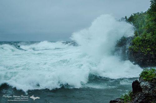 Lake Superior Wave Explosion
