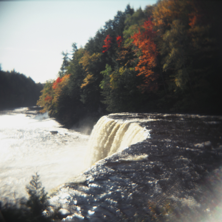 the brink - tahquanemon falls