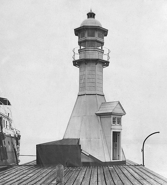 Petoskey Pierhead Lighthouse 1913