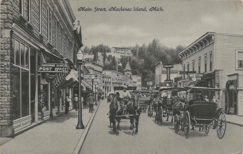 Mainstreet Mackinac Island 1930s