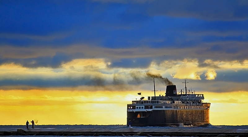 S.S. Badger departs from Ludington, photo by RJE, courtesy of Flickr