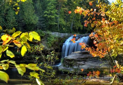 O Kun de Kun Falls falls on the Baltimore River