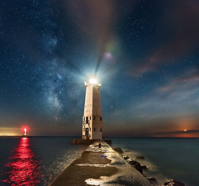 Sometimes the the stars align Frankfort Lighthouse