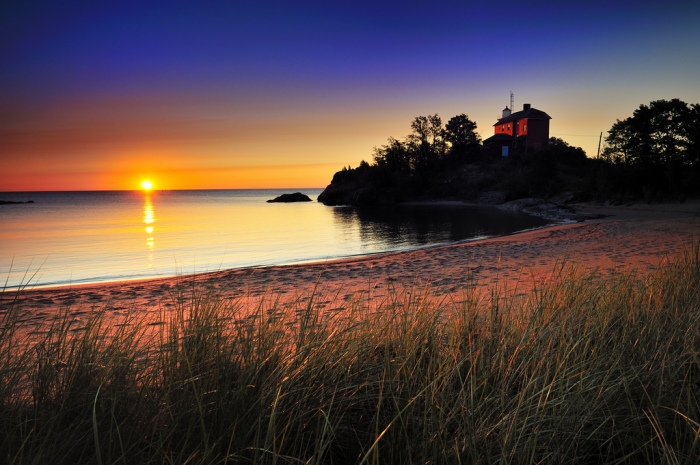 %22mccartys-cove%22-marquette-harbor-lighthouse-marquette-michigan