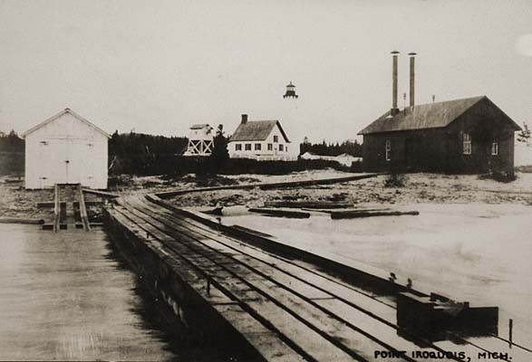 port-iroquis-lighthouse-1905