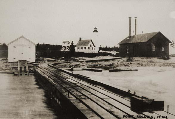 port-iroquis-lighthouse-1905