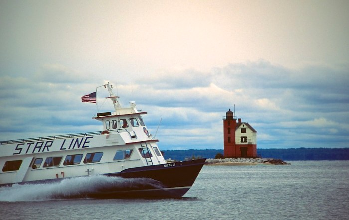 Ferry & lighthouse