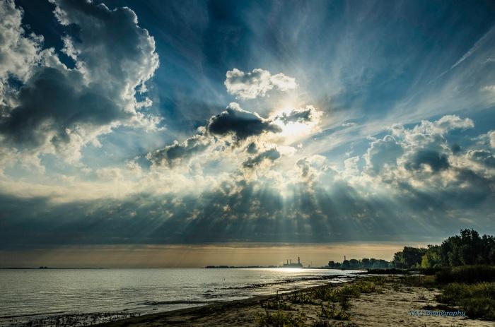 god-rays-over-saginaw-bay-by-tom-clark