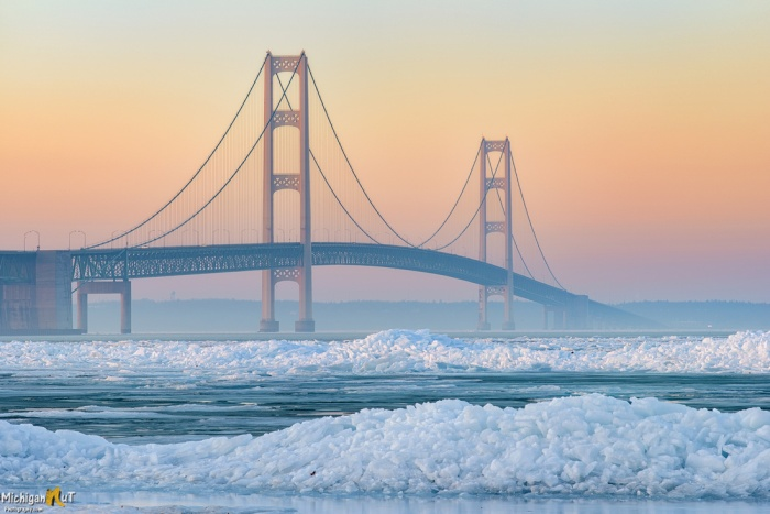 icy-sraits-by-michigan-nut-phototography