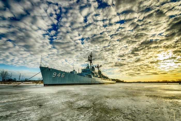 uss-edson-frozen-in-the-saginaw-river