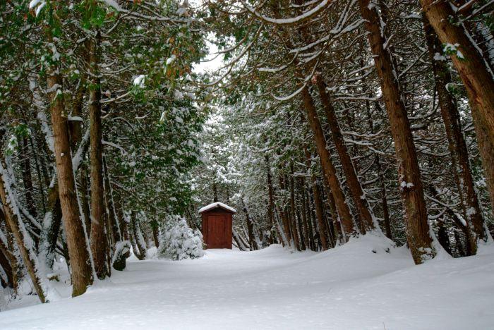 sturgeon-bay-outhouse