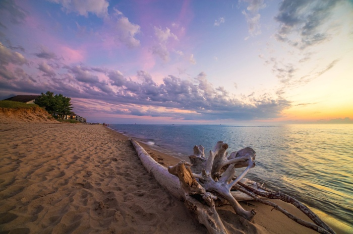 Dyckman Beach, Lake Michigan by Gary Syrba