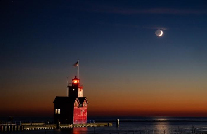 Evening Lunar Earthshine by Kevin