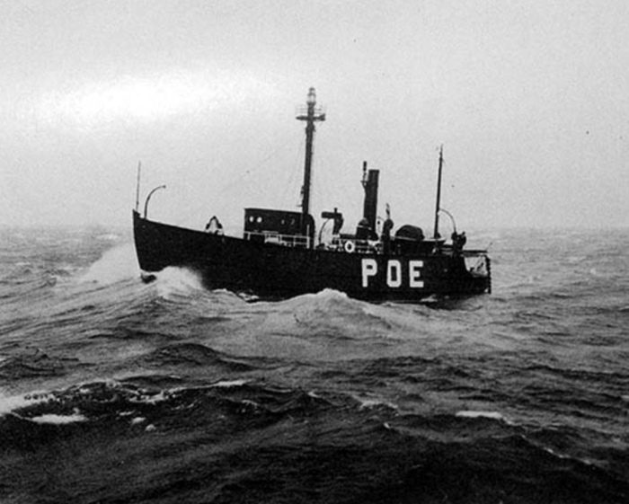 Poe Reef Lightship LV62 riding out a storm on her station