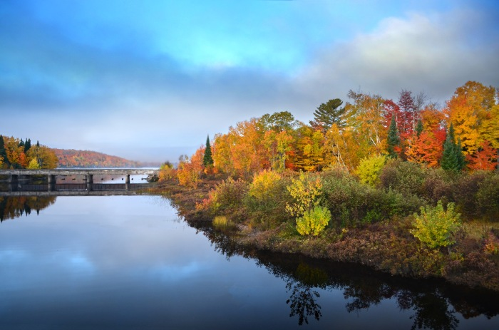 Fall colors on the Peshekee River by Michigan Sea Grant